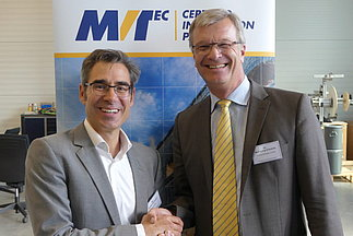 Photo of VISIONING's Dr. Stefan Rahmann and MVTec's Dr. Wolfgang Eckstein